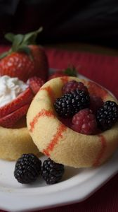 Превью обои выпечка, ягоды, фрукты, десерт