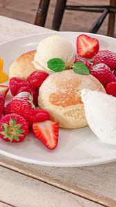 Превью обои выпечка, ягоды, мороженое, десерт, завтрак, эстетика