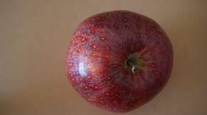 Превью обои яблоко, фрукт, капли, крупным планом
