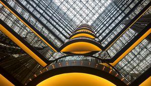 Превью обои здание, архитектура, стекло, отражение, вид снизу, желтый