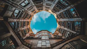 Превью обои здание, фасад, вид снизу, небо, барселона, испания