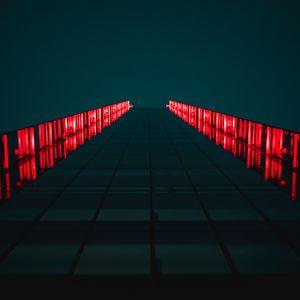 Превью обои здание, небоскреб, вид снизу, освещение
