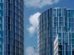 Превью обои здание, стекло, архитектура, синий