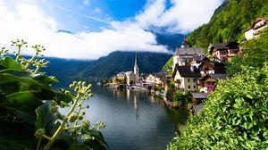 Превью обои здания, поселок, озеро, горы, пейзаж
