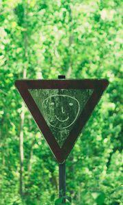 Превью обои знак, лицо, рисунок, смайл, лес, деревья