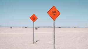 Превью обои знаки, надписи, текст, слова, пустыня