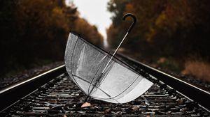 Превью обои зонт, рельсы, мокрый, железная дорога