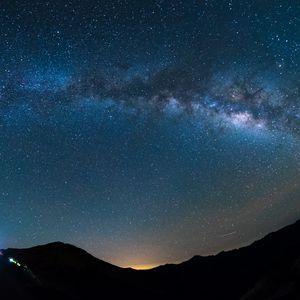 Превью обои звездное небо, сияние, блеск