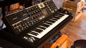 Превью обои синтезатор, клавиши, музыка, диджей