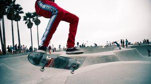 Превью обои скейт, скейтер, прыжок, трюк, скейт парк, венис, лос-анджелес, модный