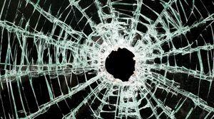 Превью обои стекло, трещины, осколки, разбитый