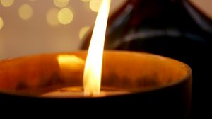 Превью обои свеча, огонь, макро, блики, свет