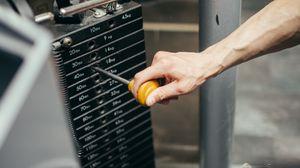 Превью обои тренажер, рука, тренировка, спортзал