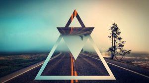 Превью обои треугольник, форма, фон, светлый