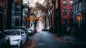 Превью обои улица, город, осень, автомобили, деревья