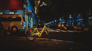 Превью обои велосипед, улица, город, вечер
