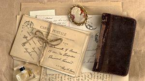 Превью обои винтаж, блокнот, медальон, духи, письма, ретро