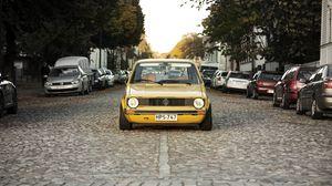 Превью обои volkswagen, golf, mk1, желтый, вид спереди
