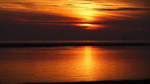 Превью обои закат, море, горизонт, сумерки, небо