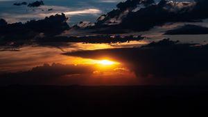 Превью обои закат, облака, солнце, сумерки, темный