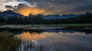 Превью обои закат, озеро, трава, отражение, горы