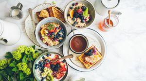 Превью обои завтрак, каша, вафли, фрукты