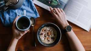 Превью обои завтрак, овес, чай, журнал