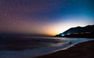 Превью обои звездное небо, горы, ночь, море, звезды, берег